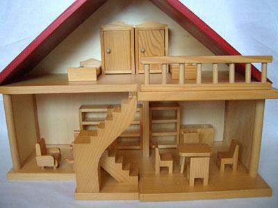 写真:家具付人形の家(組立式)