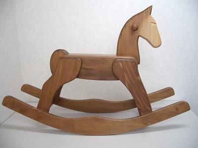 写真:デコアの木馬
