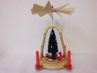 サムネイル:クリスマスピラミッド 歩くサンタと大きなツリー